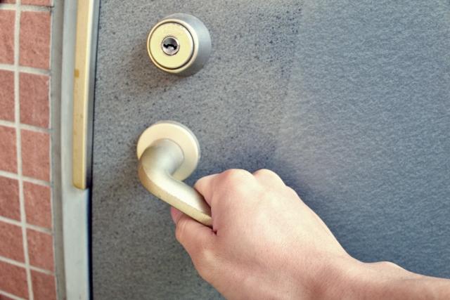玄関のドア画像